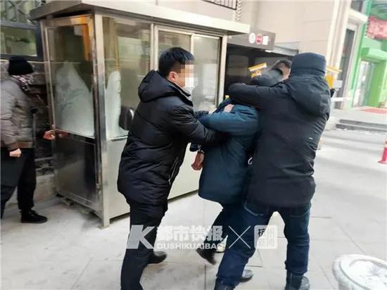 20年前杭出租车司机被杀案告破 嫌疑人在哈尔滨做保安