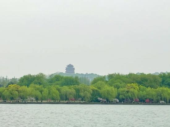 富春江大坝今年首次泄洪 清明小长假杭州会下雨吗