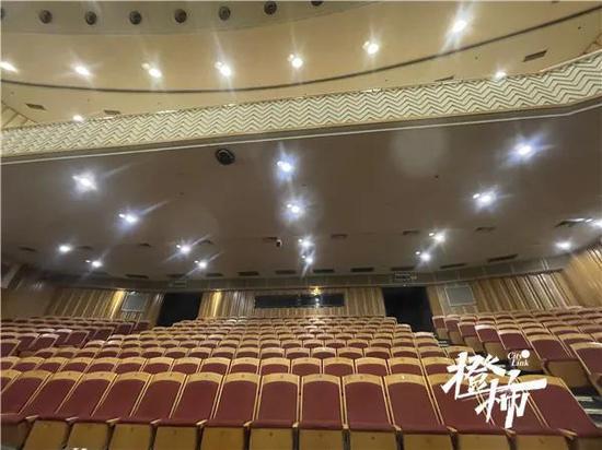 杭州红星剧院将在五月底登场 陈佩斯父子会登台演出
