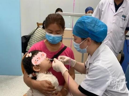 杭州3家社区推出鼻喷式流感疫苗 3到5天即能产生抗体