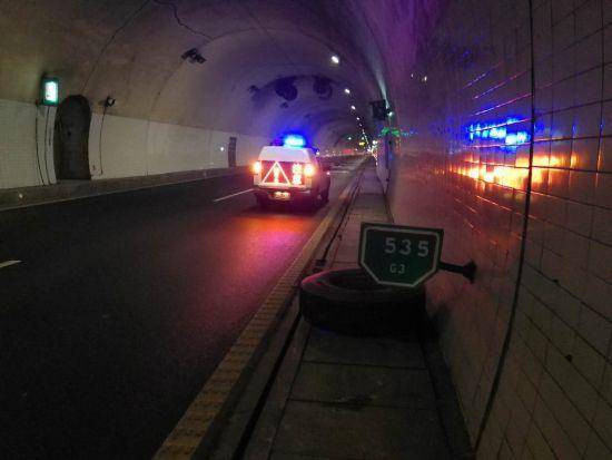 脱落的轮胎 警方提供