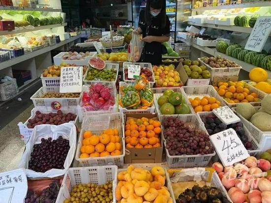 浙江生鲜市场受台风影响小 水果蔬菜海鲜价格稳定