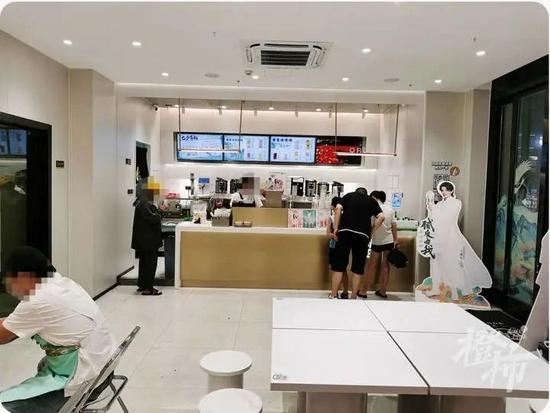 杭州奶茶店数量猛增 装修公司三年接了上千装修单