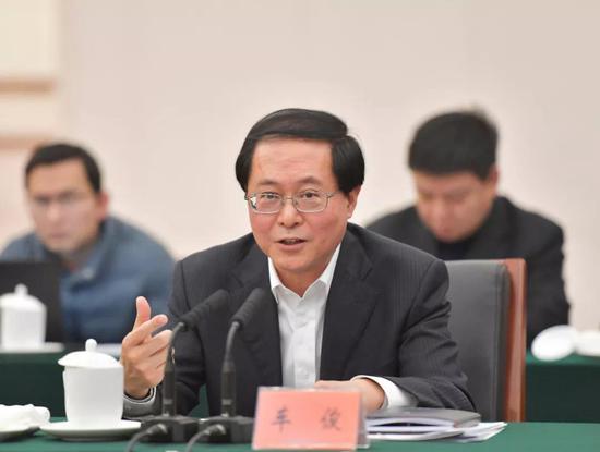 1月18日,省委书记车俊出席海归学子创新创业座谈会并讲话。