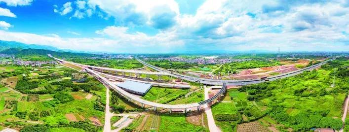 2019年7月,施工建设中的金建高速二仙桥东互通