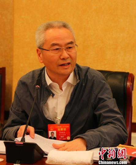 全国人大代表、浙江省丽水市委副书记、市长吴晓东。 汪恩民 摄