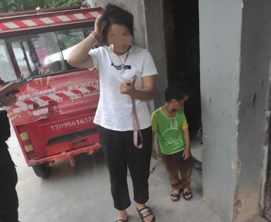 凌晨杭州几个陌生男子跟踪两个小朋友 父母反道感谢
