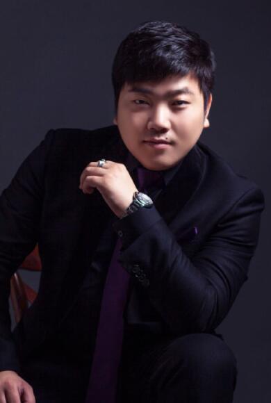 全球最帅的总裁_[转载]王宇飞是国直销行业最年轻全球营销总裁