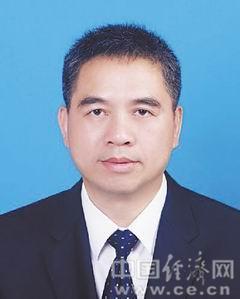 褚义军,男,汉族,1965年3月生,浙江天台人,1984年8月参加工作,民革党员,在职研究生学历。