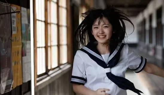 杭州16岁女生一见男孩子就咽口水