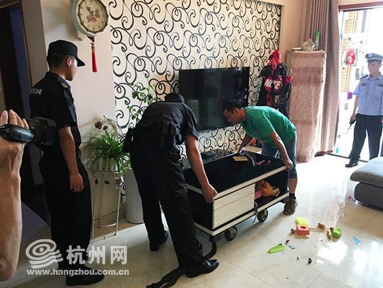 杭州1老赖欠债90万久拖不还 法院对其房屋执行腾退