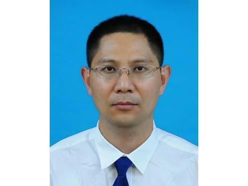 焦衡,现任杭州市交通运输局组织人事处处长,拟任(提名)杭州市机动车服务管理局党委书记、局长(试用期一年)。