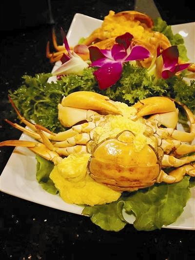 这样的一只黄油蟹要卖近千元。(照片由JAKEY提供)