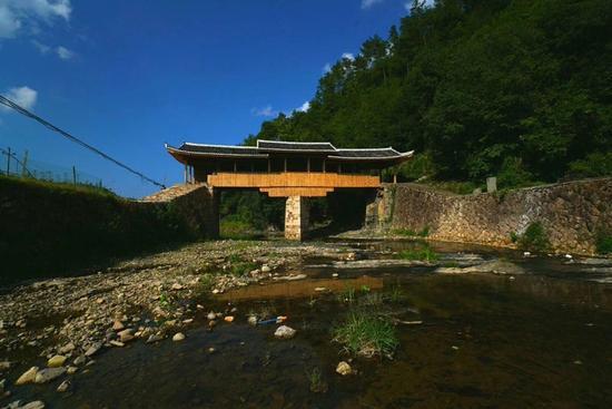 主体修复完工后的文重桥