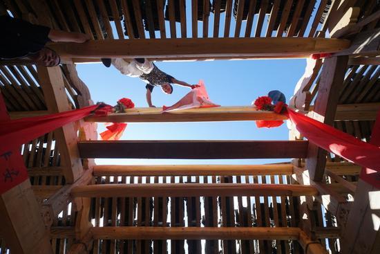 廊桥灾后修复工程马不停蹄