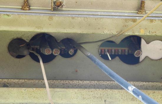 图为:被剪的电缆线端口。 丽水警方供图