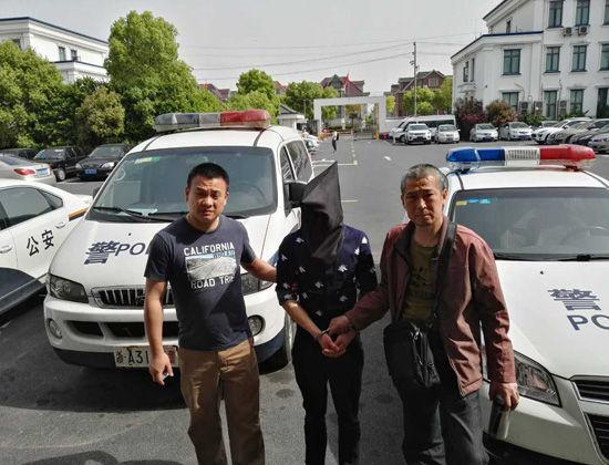 图为:警方抓获犯罪嫌疑人。  杭州警方供图