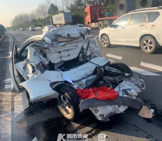 浙江男子高速上一声吼救了司机一条命 前后共3分钟