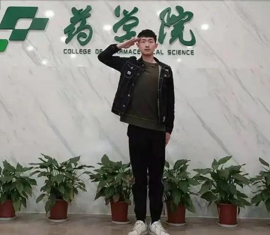 从倒数到考研初试第一入浙江大学 退伍军人成功逆袭