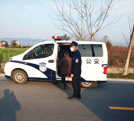 男子乘车从贵州返浙复工突然消失 被找到时发烧38℃