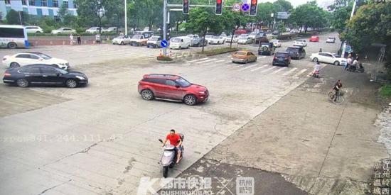 浙江一男子向老婆示爱当场偷车 两人双双被拘(图)