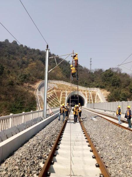 杭黄铁路浙江段施工现场 中铁电气化局集团一公司提供