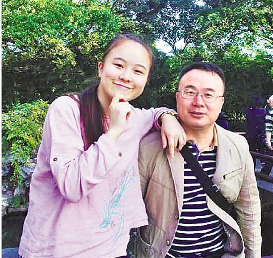 尹玉涵和她爸爸。