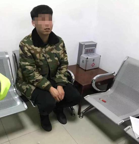 看到这个结果,刘某不说话了。此后,交警将他带到市人民医院抽取了血样。