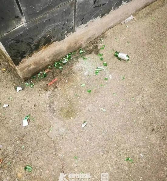 杭州大爷路上遇到从天而降玻璃瓶 嫌疑人被起诉