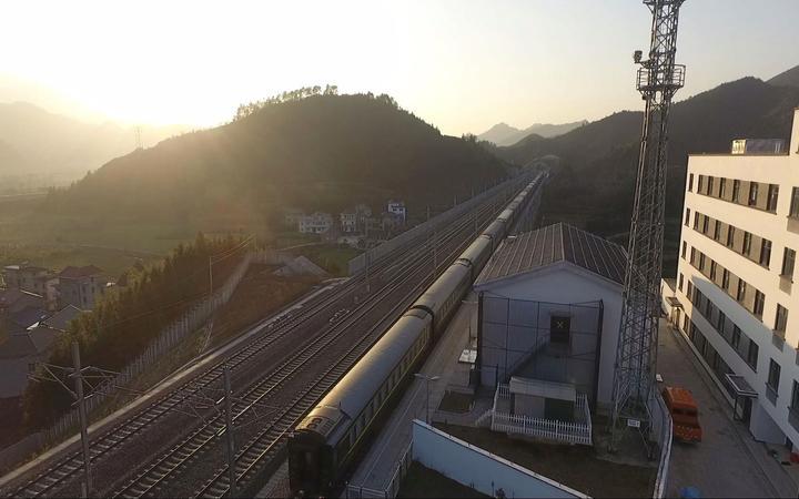 (浙江省最西面的火车站——杨林站本报记者 俞跃/摄)