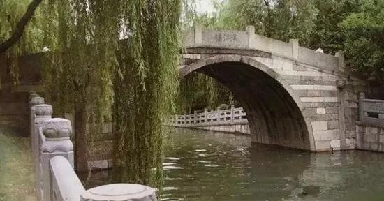 明万历年间重建,是杭州市区为数不多的宋代就有、明代重建的石拱桥之一。