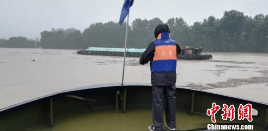 桐庐遇险船只。杭州交通港航 供图