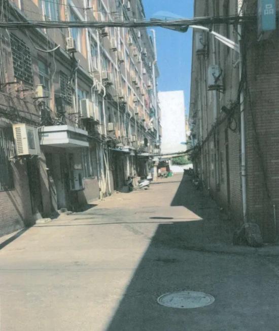浙江一老司机酒后在小区内挪车 开了9米被吊销驾照