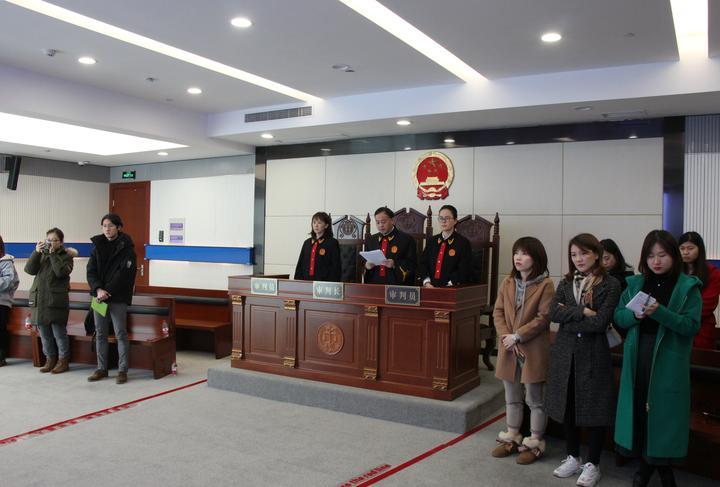杭州首例恶意投诉案庭审现场。