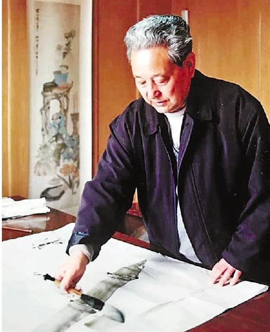 卢坤峰 1934年生,山东平邑人,中国美术学院国画系毕业。当代著名画家,被公认为当今中国画坛杰出的兰竹大家。著作有《卢坤峰画集》、《卢坤峰兰竹谱》、《卢坤峰墨兰说》等。