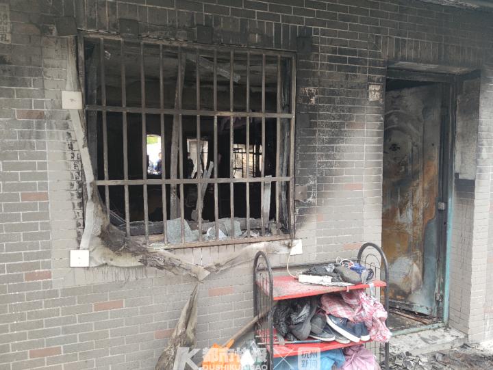 杭州一出租房起火 19岁哥哥身亡17岁妹妹仍在抢救