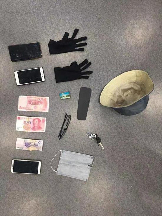 目前,该二人已被余杭警方依法刑事拘留,案件进一步侦办中。