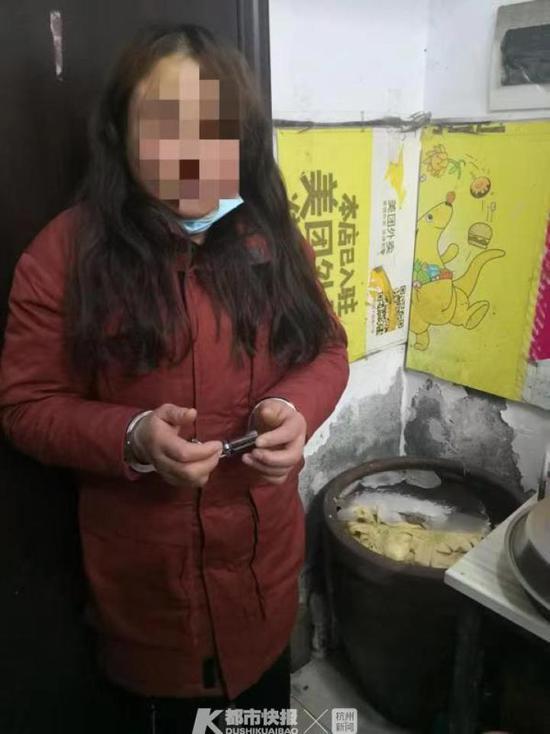 杭州一大妈的600斤大白菜被偷 结果被人腌成酸菜