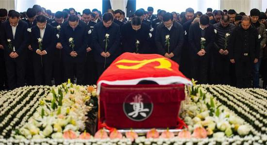 昨天上午 陈奔烈士追悼会在台州温岭市殡仪馆举行