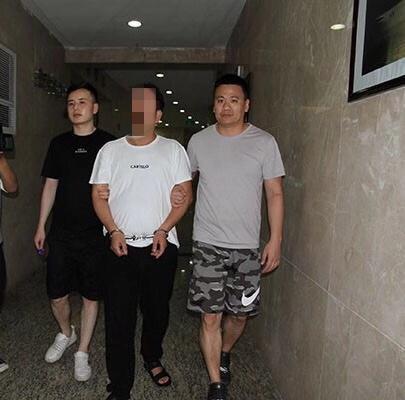 30前一桩命案的逃犯徐某近日被浙江永嘉警方抓获。永嘉警方供图