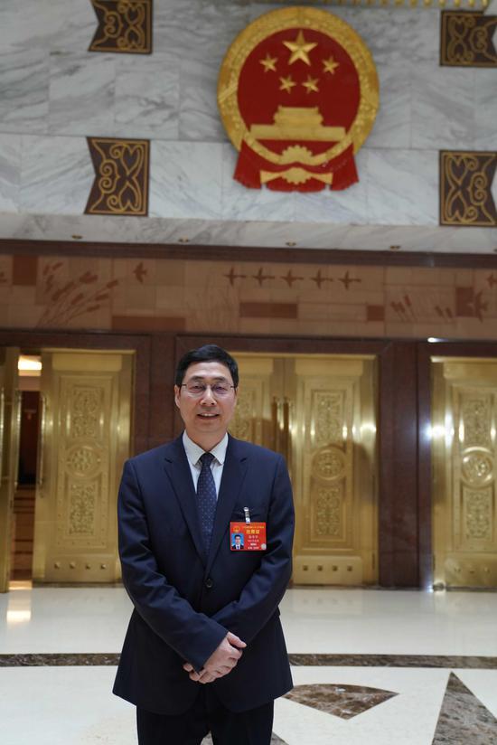 全国人大代表、浙江省财政厅厅长徐宇宁。崔楠 摄