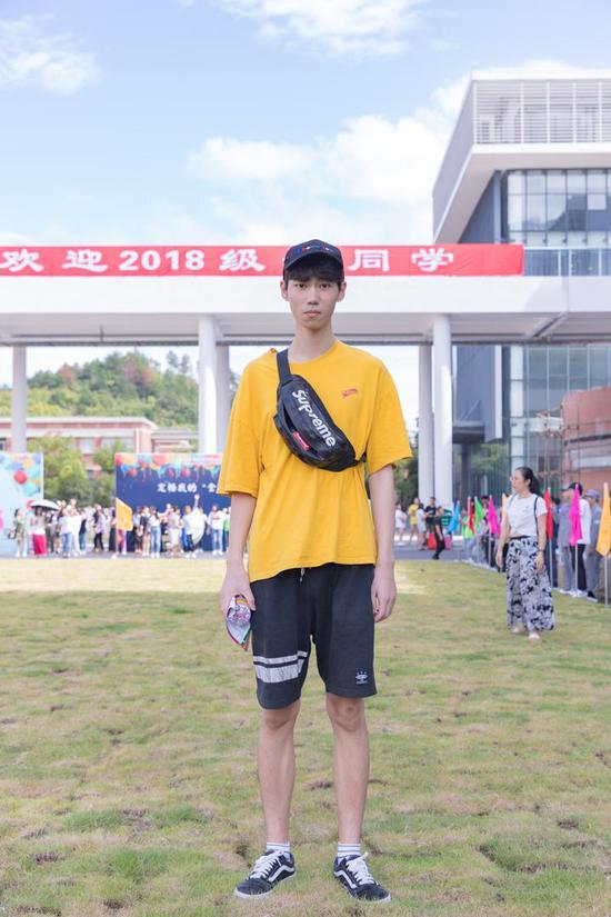 吴欣哲 服装表演 浙江台州 爱好 篮球