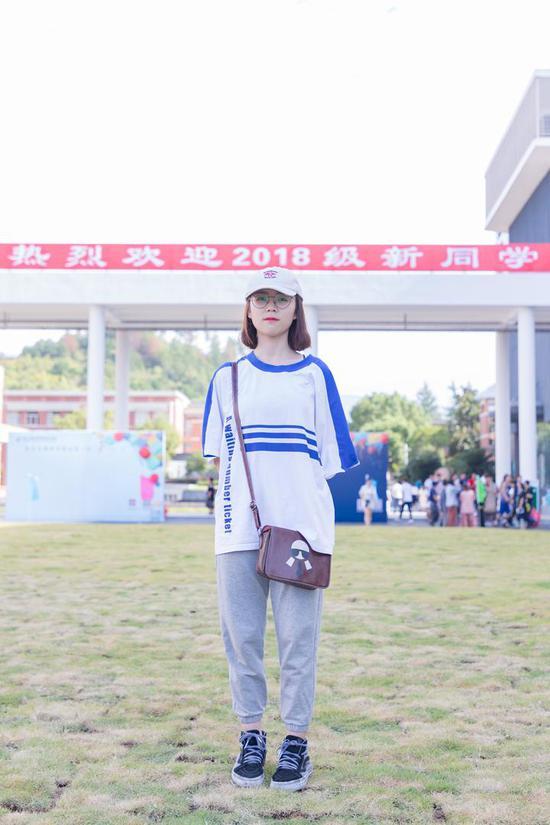 魏婷 18音乐表演 宁波