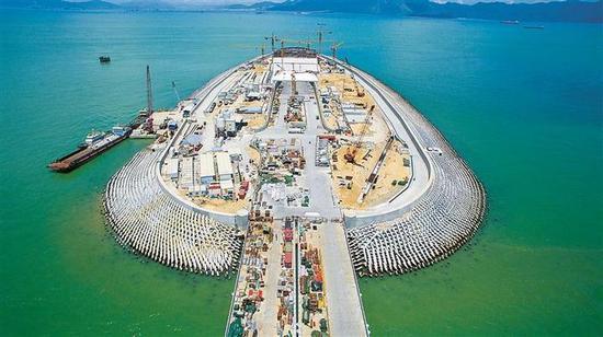 承接人工岛桩基建设