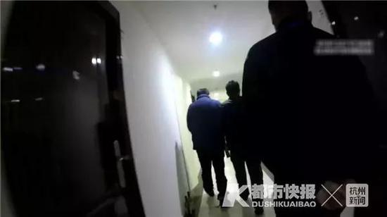 警方抓捕嫌疑人