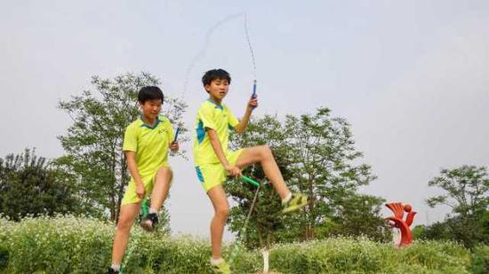 对这些孩子而言,跳绳早已不仅是一项运动,也是独一无二的快乐。