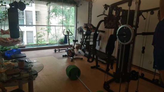"""毛建忠改建的""""共享健身房""""。由受访者本人提供"""