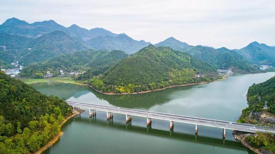 S325省道台州黄岩段风光 王敏智 摄
