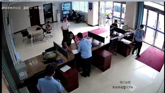 河南一小伙坐7小时火车到杭州自首 民警一查是被诈骗