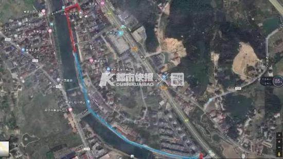 示意图:红色代表男童独自行走路线;蓝色代表热心女子带着男童回家路线。